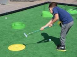 Photographie d'un mini-golf